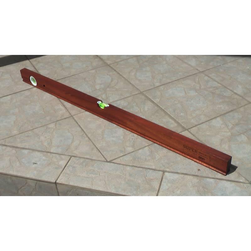 Vodováha z kvalitního dřeva, délka 100cm.