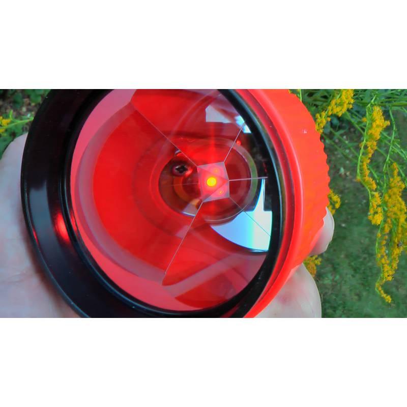 Odrazný hranol CST s osvětlením.