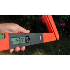 Digitální úhloměr NEDO Laser Winkeltronic s dvěma paprsky.