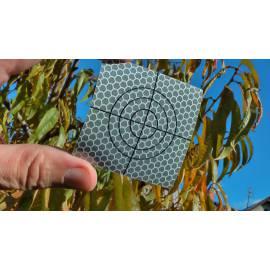 Odrazný štítek samolepící, 6 x 6 cm.