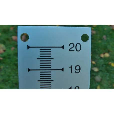 Nivelační měřítko kovové 200 mm