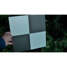 Signalizační terč 300 x 300 mm pro zaměřovací práce s dronem