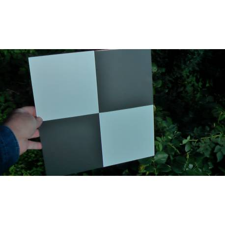 Signalizační terč 300 x 300 mm pro práci s dronem