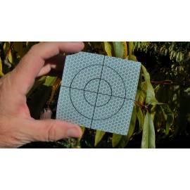 Reflexní štítky 8 x 8 cm.