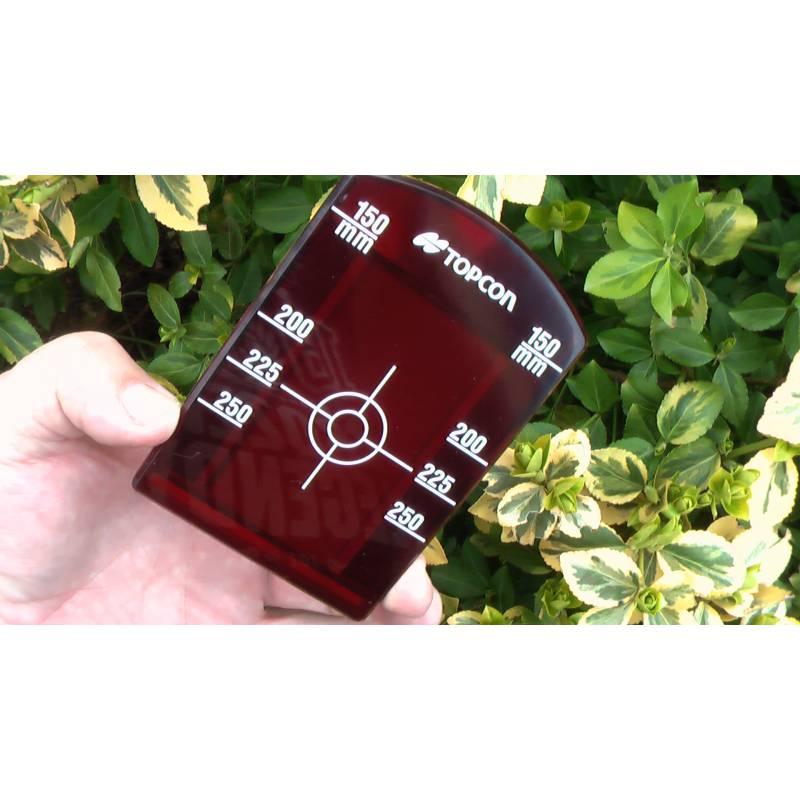 Malý cílový terč pro potrubní lasery Topcon.