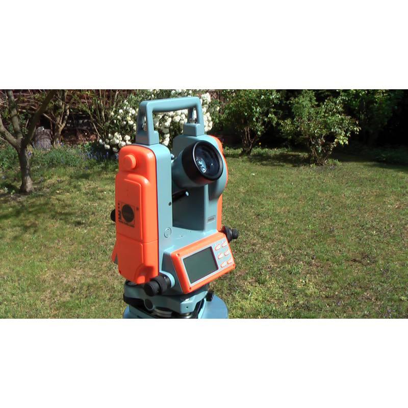 Digitální teodolit NEDO ET 5, laser. olovnice