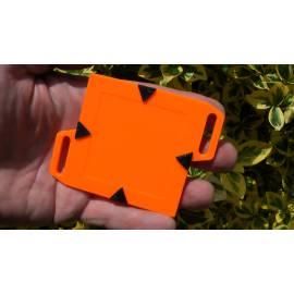 Podkladní destička pro umístění štítku 5x5 cm.